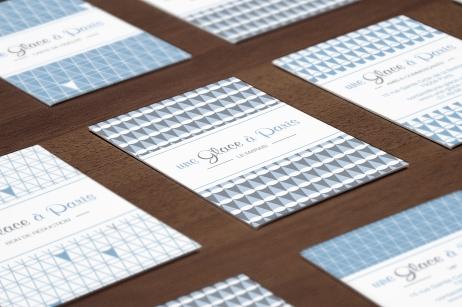 Déclinaison de l'identité visuelle sur différentes cartes : carte de fidélité, de réduction, de commerçants,...